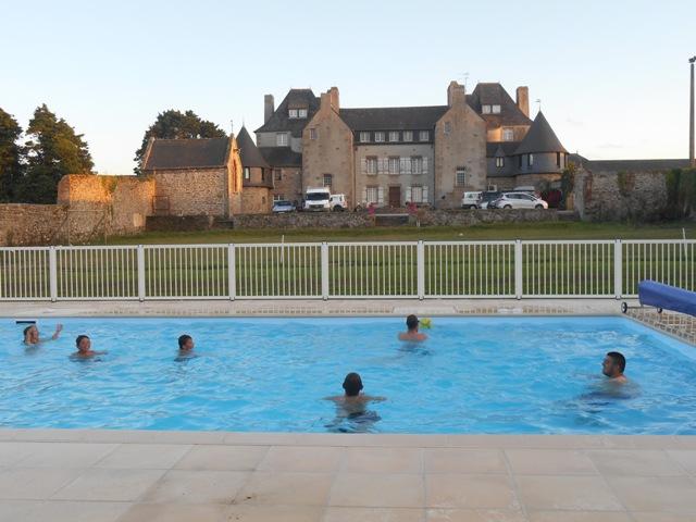 Location de gite Finistere avec piscine chauffée ; vacances à Trouzilit